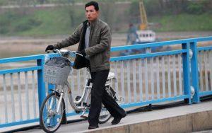 Khi ắc quy bị hỏng xe đạp điện chỉ chạy được quãng đường ngắn là hết điện