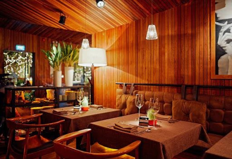 Nhà hàng The Log